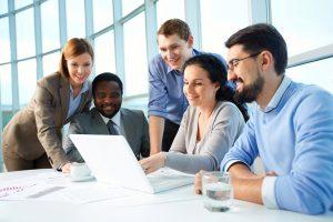 Relation client : les avantages d'un CRM commercial